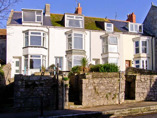 WHITESTONES, family accommodation, garden, pet friendly, close to beach, on Isle of Portland, Ref 18977 - Image 1 - Isle of Portland - rentals