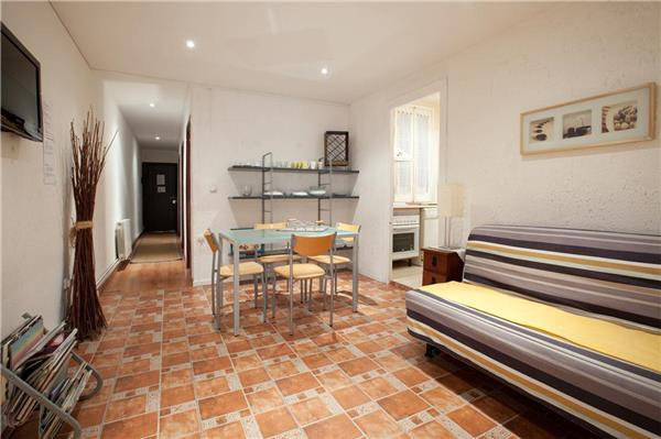 Apartment for 7 persons in Barcelona - Image 1 - Barcelona - rentals