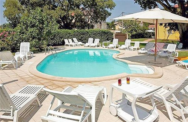 Renovated apartment for 5 persons, with swimming pool , in Porec - Image 1 - Porec - rentals