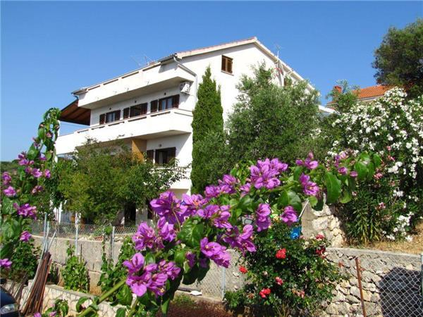 Apartment for 4 persons near the beach in Pag - Image 1 - Lun - rentals