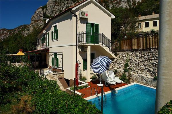 Holiday house for 8 persons, with swimming pool , in Crikvenica - Image 1 - Crikvenica - rentals