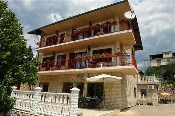 Apartment for 7 persons in Crikvenica - Image 1 - Novi Vinodolski - rentals