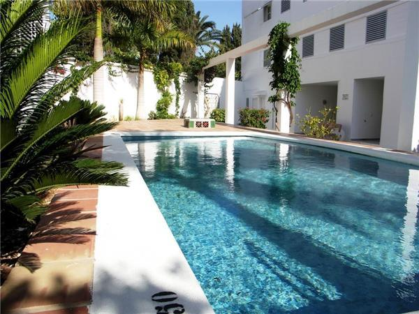 Apartment for 4 persons, with swimming pool , near the beach in Nerja - Image 1 - Nerja - rentals