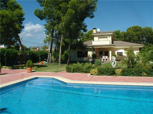 Holiday house for 8 persons, with swimming pool , near the beach in L'Ametlla de Mar - Image 1 - L'Ametlla de Mar - rentals