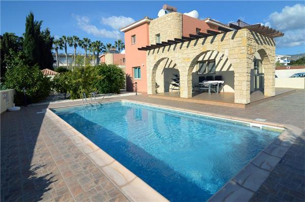 Holiday house for 8 persons, with swimming pool , near the beach in Paphos - Image 1 - Kissonerga - rentals