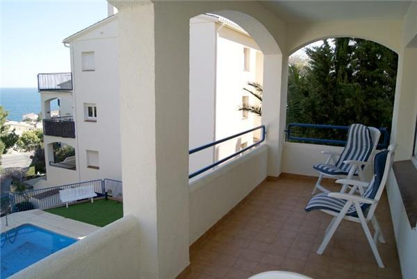 Apartment for 5 persons, with swimming pool , in Llanca - Image 1 - Llanca - rentals