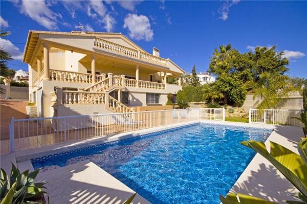 Holiday house for 10 persons, with swimming pool , near the beach in Calpe - Image 1 - Calpe - rentals