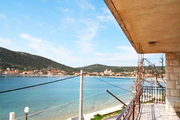 Attractive apartment for 6 persons near the beach in Vinisce - Image 1 - Vinisce - rentals