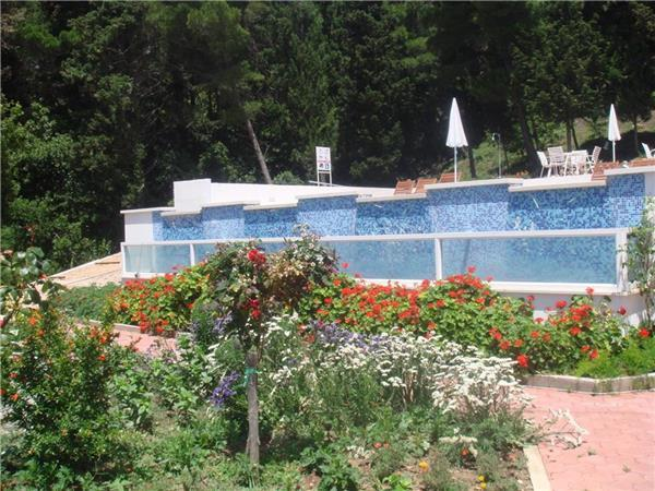 Apartment for 4 persons, with swimming pool , near the beach in Dubrovnik - Image 1 - Mlini - rentals