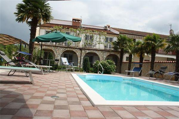 Attractive apartment for 4 persons, with swimming pool , in Porec - Image 1 - Tar - rentals