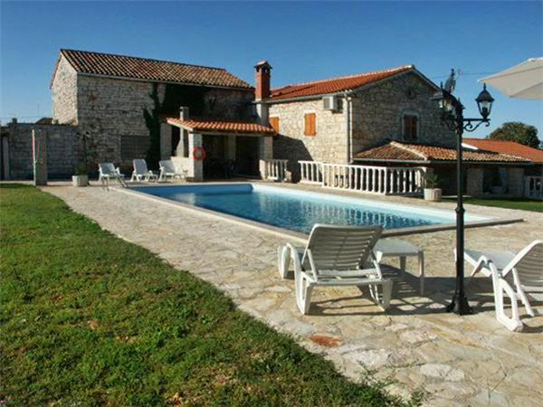 Attractive holiday house for 8 persons, with swimming pool , in Porec - Image 1 - Kruncici - rentals