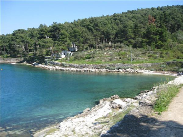 Attractive apartment for 4 persons near the beach in Losinj - Image 1 - Mali Losinj - rentals