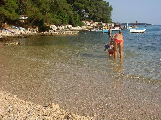 Apartment for 4 persons near the beach in Losinj - Image 1 - Mali Losinj - rentals