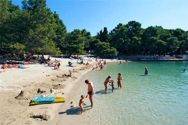 Attractive apartment for 3 persons in Losinj - Image 1 - Mali Losinj - rentals