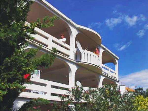 Attractive apartment for 3 persons near the beach in Pag - Image 1 - Novalja - rentals