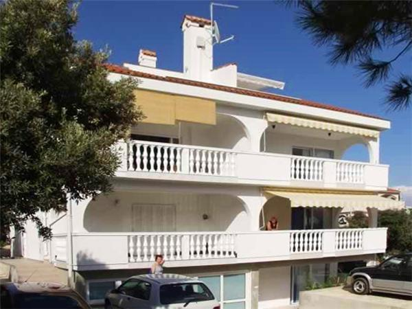 Apartment for 4 persons near the beach in Pag - Image 1 - Mandre - rentals
