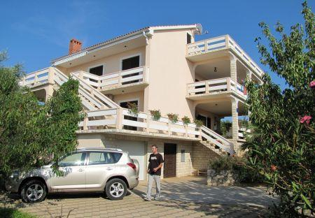 Apartment for 5 persons near the beach in Pag - Image 1 - Lun - rentals