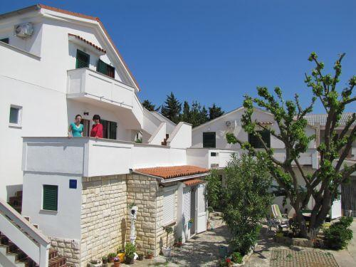 Attractive apartment for 4 persons in Pag - Image 1 - Novalja - rentals