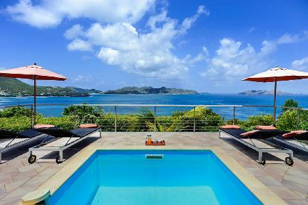 Relaxing Villa Heloa offers a terrace and incomparable ocean and sunset views - Image 1 - Pointe Milou - rentals