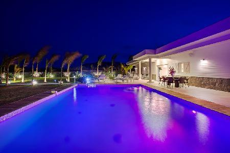 Sleek Villa Anna within gated community with fitness room & daily breakfast - Image 1 - Petit Cul de Sac - rentals
