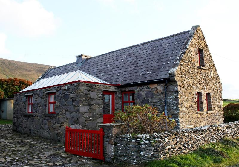 Dunquin Cottage,  Dingle Ireland - Image 1 - Dunquin - rentals