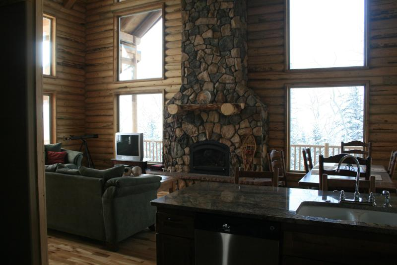 Great Room - 3 Bdrm 3 Bth Luxury Log Cabin, All Season - Brian Head - rentals
