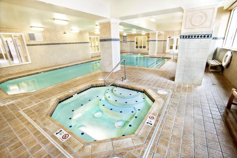 BOOK ONLINE! Amazing From Start to Finish. Seattle's Best Vacation Spot! Pool!STAY ALFRED MT2 - Image 1 - Seattle - rentals