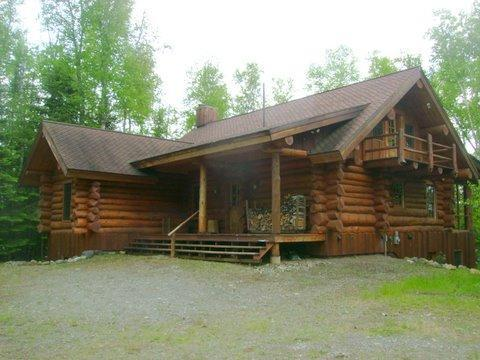 Front entrance to Eagles Nest Lodge from firepit area - Stunning Log Home with Large Entertainment Room - Ely - rentals
