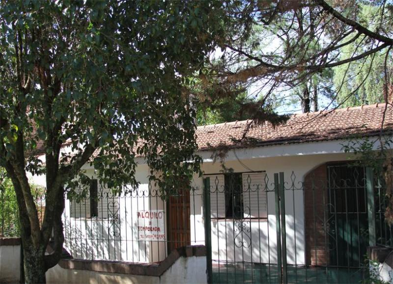 Beautiful House with Swimming Pool in V.Carlos Paz - Image 1 - Villa Carlos Paz - rentals