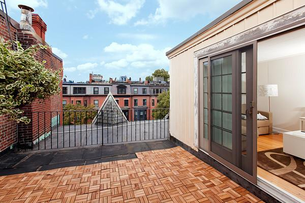 Back Bay - Marlborough #7 - 2 bedroom,  1 bathroom with private, roof-top terrace, sleeps 4-6 in beds - Image 1 - Boston - rentals
