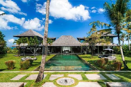 Sophisticated beachfront Mahatma House steps to beaches with 60 ft river stone pool - Image 1 - Seseh - rentals