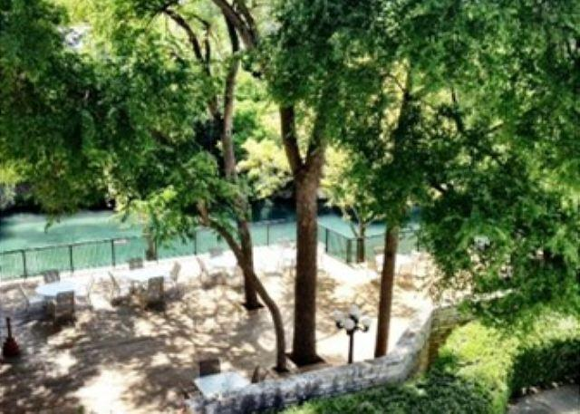 Balcony View - Comal River Access and Walking Distance to SCHLITTERBAHN - New Braunfels - rentals