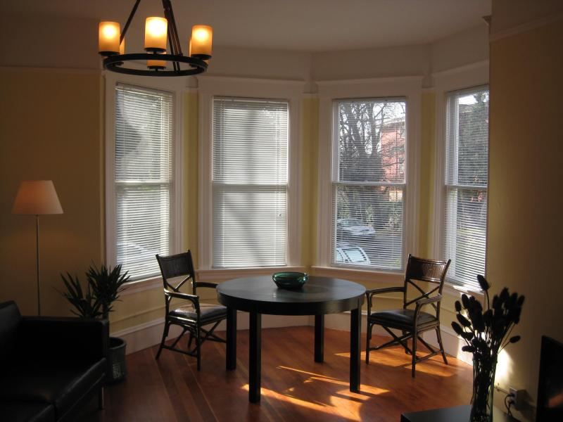 Turret Dining Room - Seattle Turret House Apt 3 - Seattle - rentals