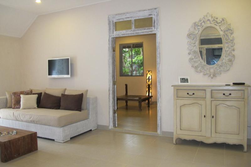 Living room with view to the bedroom - Beautiful 1,5bdr villa with pool, Sanur Beach walk - Sanur - rentals