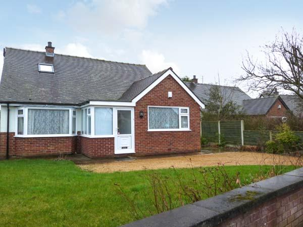WOODLANDS, detached property, open fire, enclosed garden in Garstang, Ref 21319 - Image 1 - Garstang - rentals