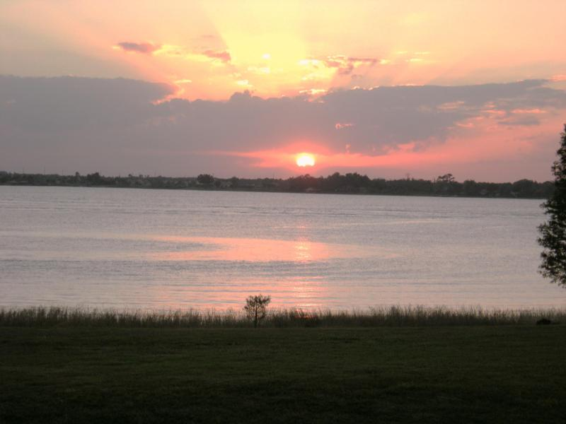 Sunset from the Porch - Our Central Fl. 2 Bedroom  2 Bath Lakefront Condo,  Heaven on Earth - Winter Haven - rentals