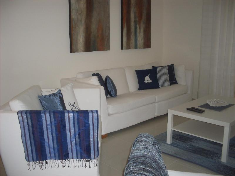 Beautiful 2 bedroom apartment - Image 1 - Dubai - rentals