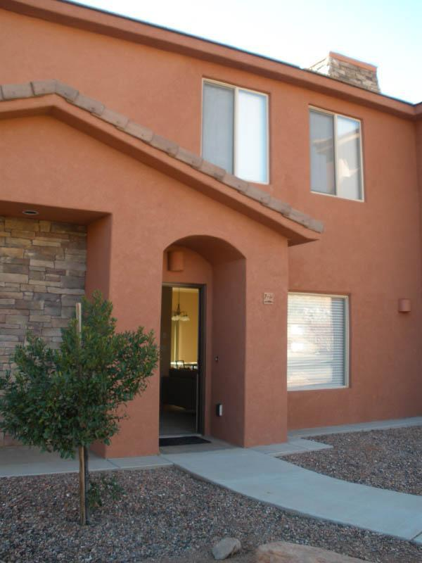 Townhouse Entry - Welcome Home! - Pueblo Guest House -  near three National Parks - Kanab - rentals