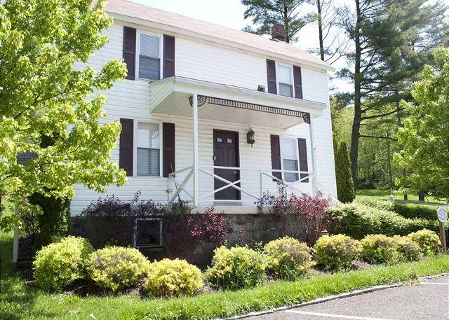 Fayette Springs House- Full of heritage and located on the national route 40! - Image 1 - Farmington - rentals