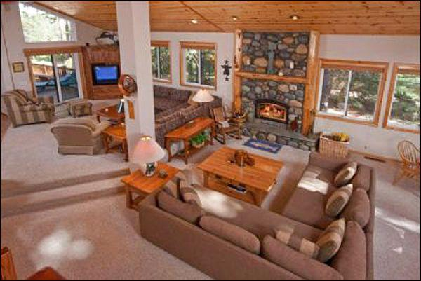 Den and Sunken Living Room - Overlooking 18th Fairway - Fifteen Minutes to Northstar (1674) - Lake Tahoe - rentals