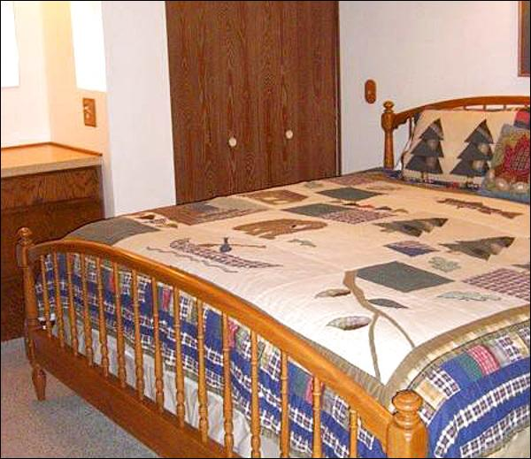 Bedroom Features a King Bed - Perfect Condo for a Romantic Getaway - Wonderful On-Site Amenities (1330) - Crested Butte - rentals