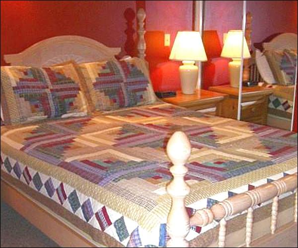Queen Bed and Rustic Touches in the Bedroom - Cute Year-Round Getaway - Perfect for Couples or Single Travelers (1338) - Crested Butte - rentals