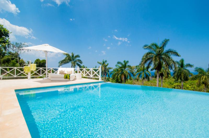 ALLAMANDA is a brilliant new contemporary private villa with large heated pool and nearby memberships at Round Hill and the Tryall Golf, Tennis  - Allamanda - Montego Bay - rentals