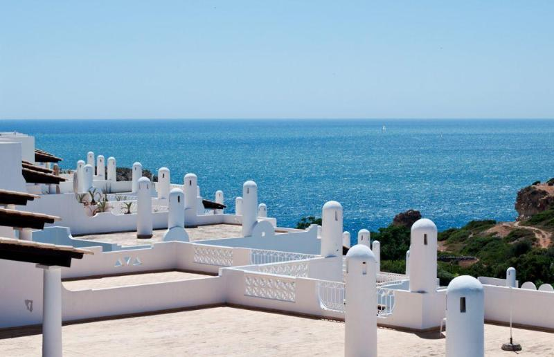 3 Apartments 2-12 people only 200 mts from beach - Image 1 - Ferragudo - rentals