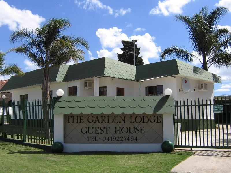 Main Entrance - The Garden Lodge Guest House - Uitenhage - rentals