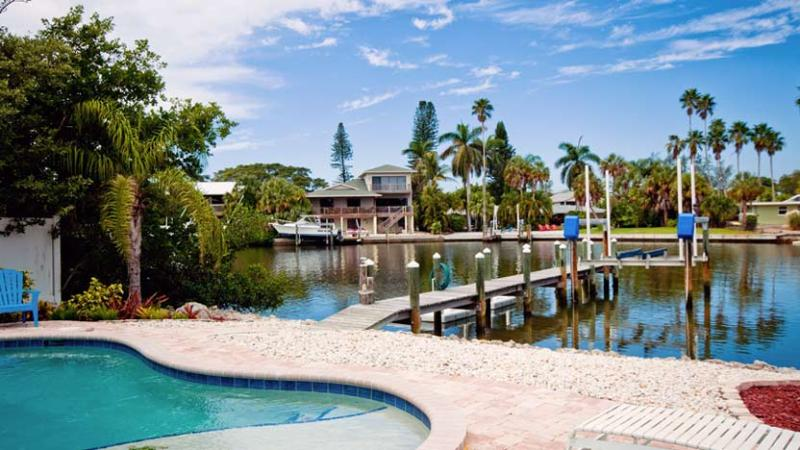 Your Own Private Dock - Starfish Dreams: 2BR/2BA Canal-Front Home with Dock and Pool - Anna Maria - rentals