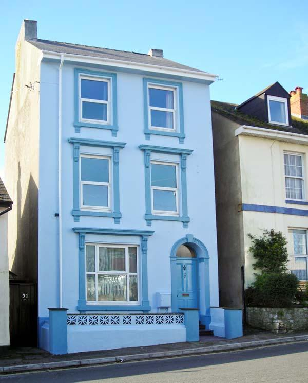 DUNHOLME HOUSE, close to sea and amenities, en-suite bedrooms, flexible accommodation in Teignmouth, Ref 20681 - Image 1 - Teignmouth - rentals