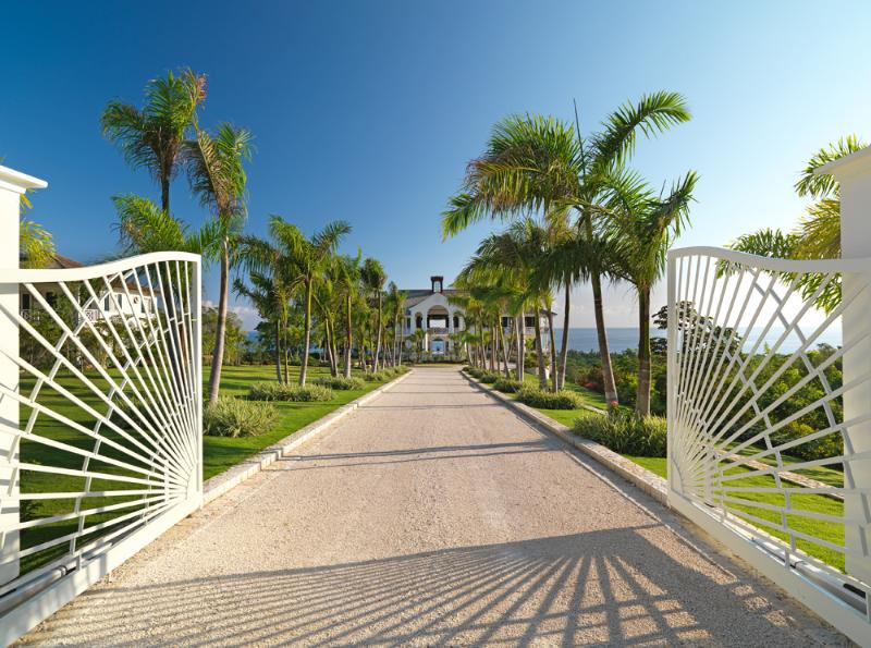 On five acres in a quiet residential community of other upscale villas ... - Flower Hill - Montego Bay - rentals