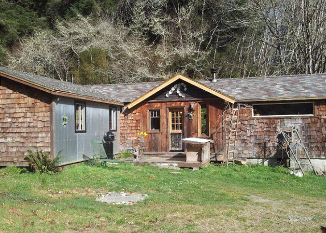 Beautifully Remodeled Authentic cabin from Old Loggers - Upscale & Authentic: Stone Lagoon Cabin-Gaze at Wild Elk, Hike to Beach - Trinidad - rentals