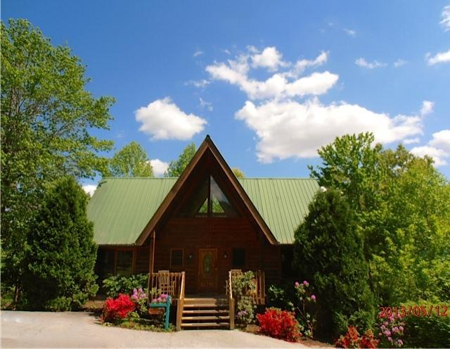 Above and Beyond - Above and Beyond - $175.00/Night all available nights through Sept 30th. excluding Holidays - Gatlinburg - rentals